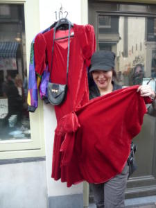 The red dress Amstedam june 2006